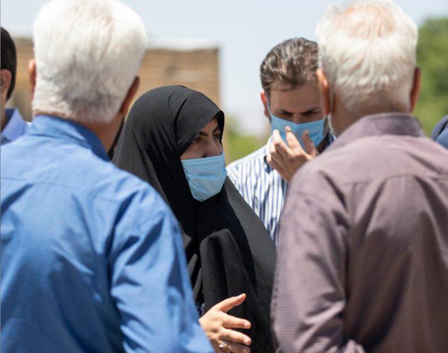 حضور نماینده مردم و مسئولان شهرستان در کرکوند برای رسیدگی به مشکلات این شهر