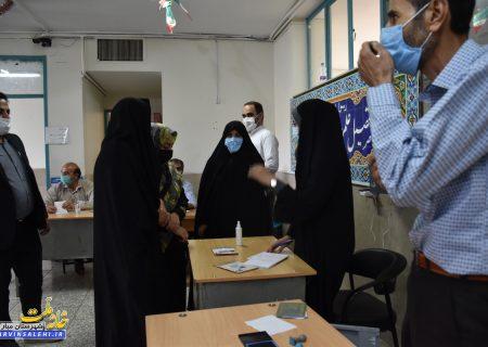 بازدید دکتر صالحی از روند انتخابات در شهرستان مبارکه